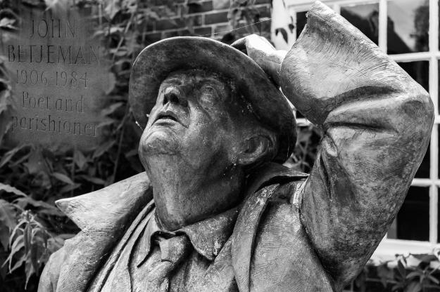 statue of John Betjeman